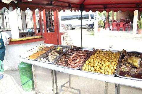 Longaniza de Sutamarchan con papa criolla y otros alimentos